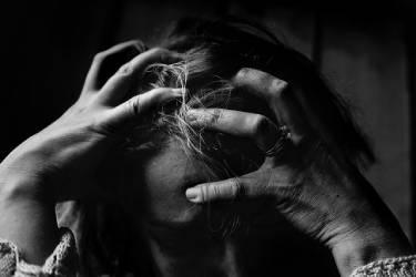 Puistjes op je hoofdhuid: hoe kan je die behandelen?