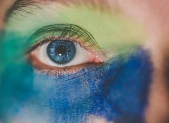 Puistjes op je ooglid: een nare plek, maar zo los je het snel op!